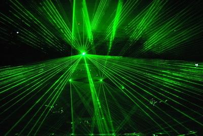 Технологии создания трехмерных лазерных шоу