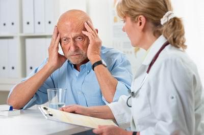 Болезнь Альцгеймера: признаки и описание